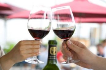 Rượu có thể làm họ bị tai nạn xe trước khi bị...tim mạch