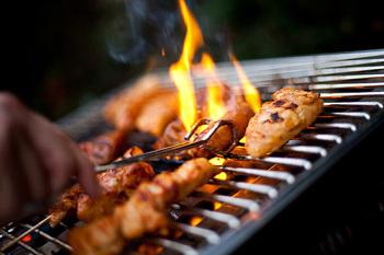 Những người ăn thịt nướng kỹ hoặc hơi kỹ có nguy cơ bị ung thư bao tử gấp ba lần so với người ăn tái hoặc hơi tái