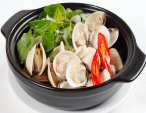 Độc tố sinh học biển bền với nhiệt, thậm chí cả trong môi trường acid. Do đó nướng kỹ hay nấu canh chua nghêu sò cũng không loại được độc tố