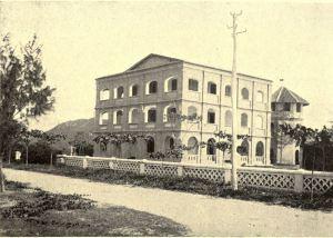 Ngôi nhà của BS Yersin tại Nha Trang khoảng những năm 1900. Ngày nay, đã bị phá bỏ, trên nền đất đó hiện nay là Nhà khách 478 của Bộ Công An VN