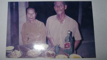 Ông Nguyễn Sơ và vợ – Ảnh tư liệu