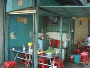 Cà phê Lão Tử là cái quán cóc thế này đây. (Hình: Nguyễn Ðạt/Người Việt)