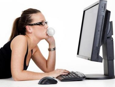 Nhiều nghiên cứu cho thấy nhai chewing gum còn giúp cải thiện trí nhớ, tự tin, sạch miệng, giảm cân,…Tuy nhiên, những công trình này chỉ phục vụ bán hàng hơn là góp phần vào tri thức khoa học.